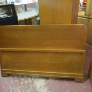 SALE! vintage blonde mahogany full size bed – $150