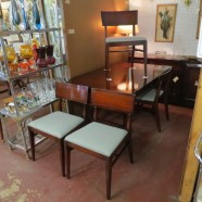Vintage mid-century mahogany dining room table with 4 chairs – $495