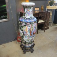 Vintage antique Chinese palace vase -$895