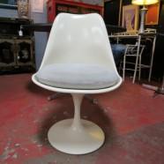 Vintage mid century modern tulip fiber glass chairs – $450