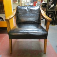 Vintage mid century modern oak lounge chair – $235