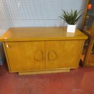 Vintage midcentury modern blonde walnut 2 door cabinet/dresser/credenza – $395