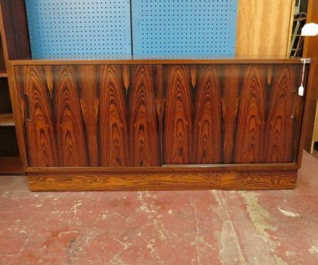 SALE! Vintage mid century Danish modern rosewood credenza – $395