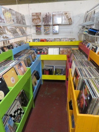 We have the vinyl!! Large selection of vintage vinyl records – $3