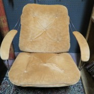 Vintage Mid-Century Modern metal frame lounge chair – $200