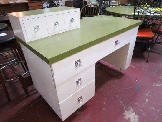 SALE! Vintage mid-century modern 7 drawer desk – $195