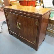 Vintage mid-century modern Henredon lighted cabinet / bookcase – $495