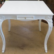 Vintage antique French style carved Henredon dining table / game table – $395