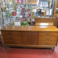 Vintage Mid-Century Modern Walnut 9 Drawer Credenza/Dresser – $525