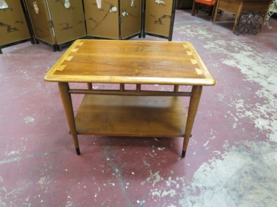 Vintage Mid-Century Modern Lane Acclaim Walnut 2 Tier Side Table – $125