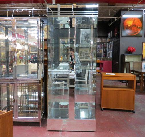 Vintage mid century modern style glass and mirror vitrine - Vitrine modern ...