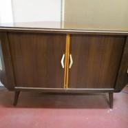 Vintage Mid-Century Modern Walnut Corner Cabinet/Bar – $150