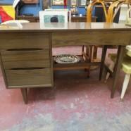 Vintage Mid Century Modern Kroehler 4 Drawer Walnut Desk – $225