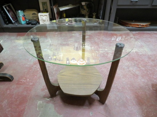 Vintage Mid Century Modern Round Glass Top Coffee Table/Side Table – $45