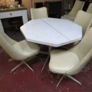 Vintage Mid Century Modern Table And 6 Chairs Kitchen/Dining Set – $245 for the set
