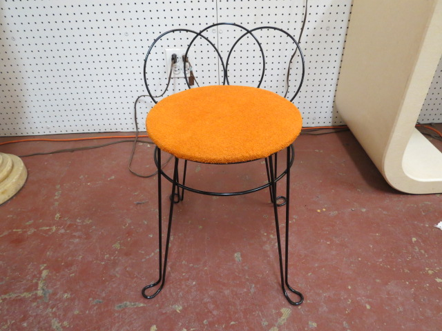 Admirable Vintage Mid Century Modern Wrought Iron Vanity Stool 40 Dailytribune Chair Design For Home Dailytribuneorg