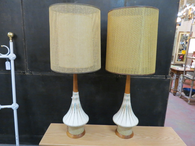 Vintage Mid Century Modern Pair Of Ceramic Lamps With Double